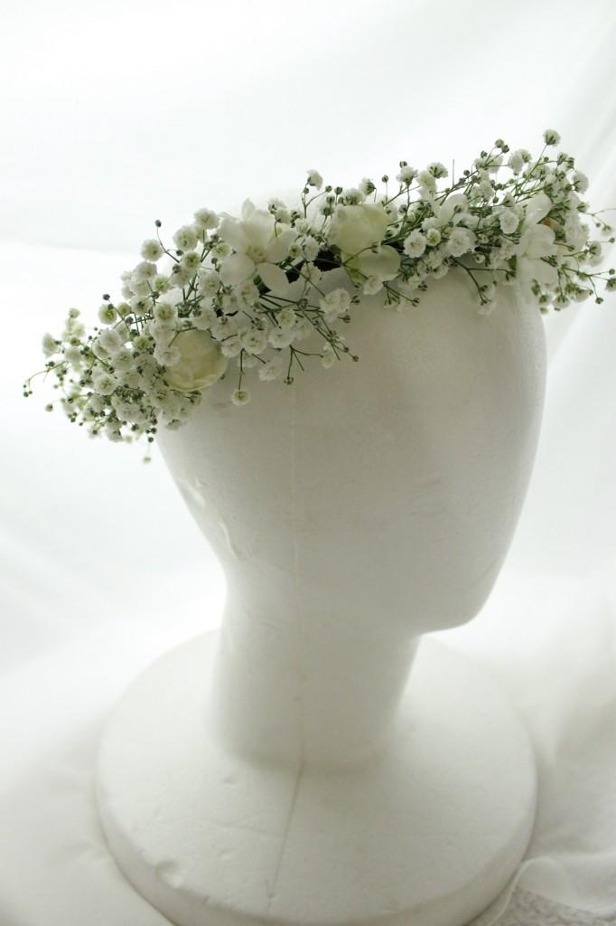 ウェディングの花  カスミ草の花冠